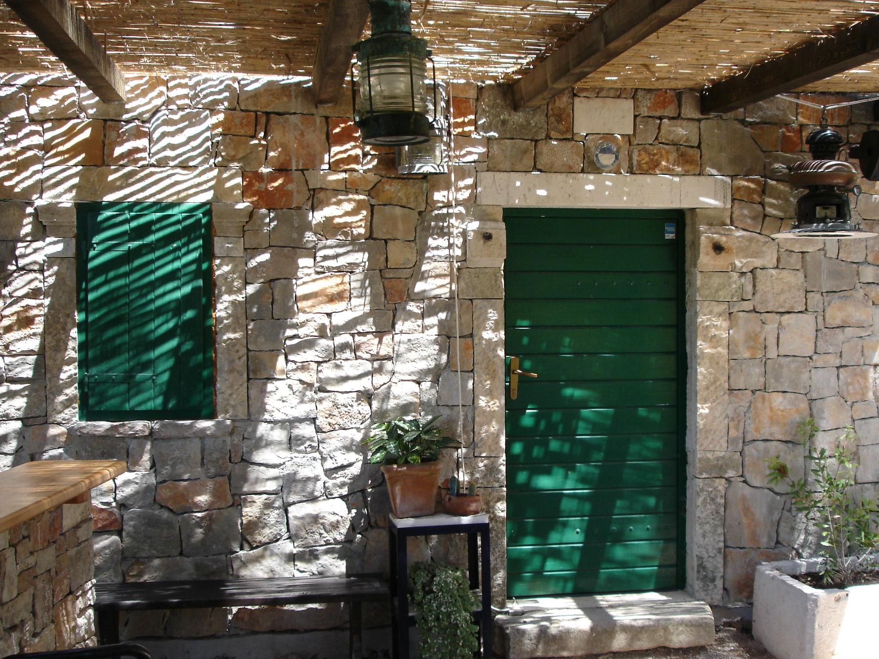 Stara kamnita hiša Murter