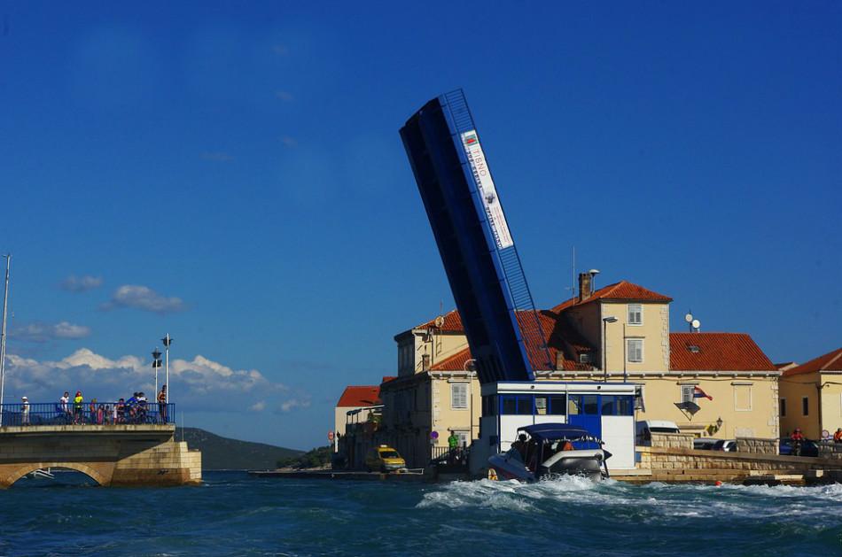 dvižni most Tisno murter