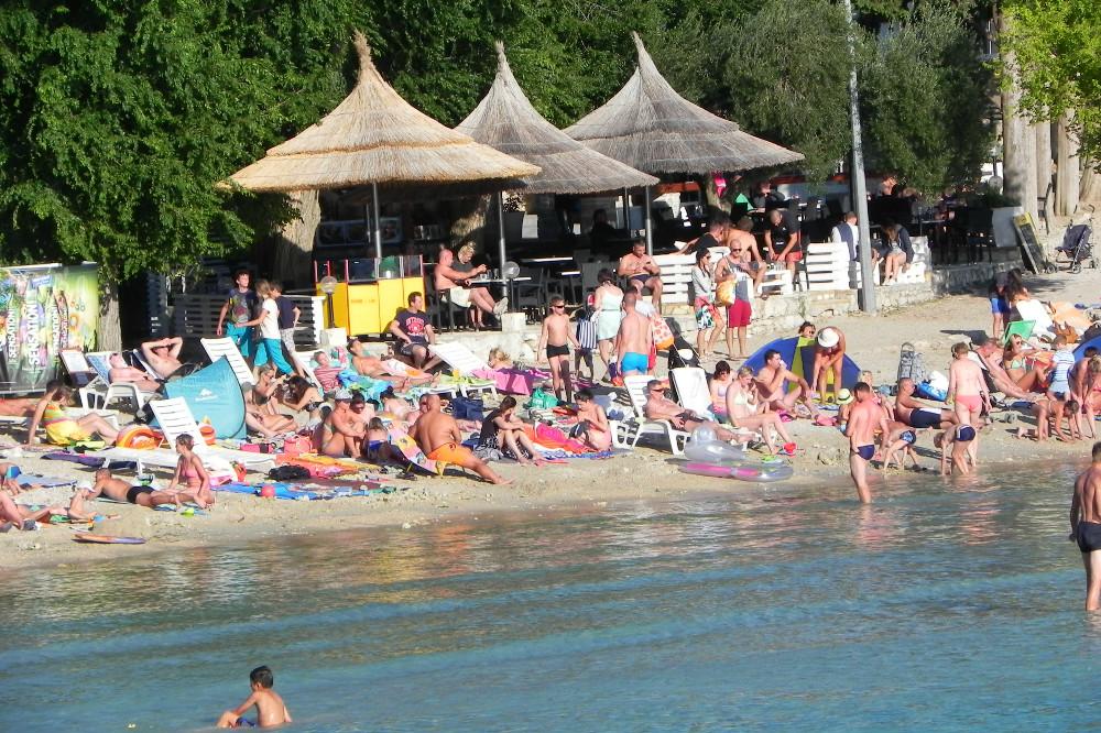 Peščena Plaža Slanica Murter